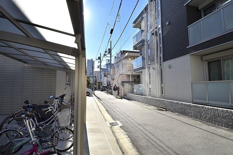 新丸子駅の賃貸:【光の降り注ぎを感じながら。】